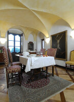 Bildno.: 11973254<br/><b>Feature: 11973220 - Noble Residence</b><br/>A &quot;Palazetto&quot; full of historic details in Piedmont, Italy<br />living4media / Maulini, Pier
