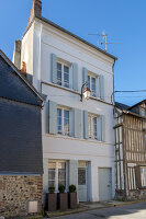 Bildno.: 11976838<br/><b>Feature: 11976837 - Old Town Charm</b><br/>A renovated townhouse in the centre of Honfleur, France<br />living4media / Hallot, Olivier