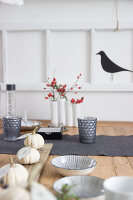 Bildno.: 11979190<br/><b>Feature: 11979179 - New Autumn Colours</b><br/>A new look for autumn decoration: a table in white<br />living4media / Algermissen, Astrid