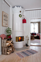 Bildno.: 11990572<br/><b>Feature: 11990571 - Christmas up North</b><br/>Nostalgic house in Kvarnsvedjan, a small village outside Ume&#229;, North Sweden<br />living4media / Isaksson, Camilla