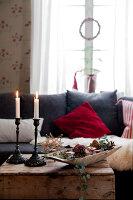 Bildno.: 11990582<br/><b>Feature: 11990571 - Christmas up North</b><br/>Nostalgic house in Kvarnsvedjan, a small village outside Ume&#229;, North Sweden<br />living4media / Isaksson, Camilla