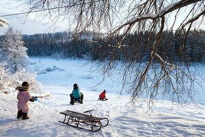 Bildno.: 11990588<br/><b>Feature: 11990571 - Christmas up North</b><br/>Nostalgic house in Kvarnsvedjan, a small village outside Ume&#229;, North Sweden<br />living4media / Isaksson, Camilla