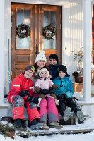 Bildno.: 11990596<br/><b>Feature: 11990571 - Christmas up North</b><br/>Nostalgic house in Kvarnsvedjan, a small village outside Ume&#229;, North Sweden<br />living4media / Isaksson, Camilla