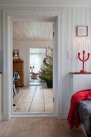Bildno.: 11990684<br/><b>Feature: 11990664 - Christmas on the Family Farm</b><br/>Celebrating Christmas in Dalum, Sweden<br />living4media / Isaksson, Camilla