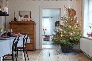 Bildno.: 11990686<br/><b>Feature: 11990664 - Christmas on the Family Farm</b><br/>Celebrating Christmas in Dalum, Sweden<br />living4media / Isaksson, Camilla