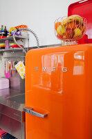 Bildnr.: 11990754<br/><b>Feature: 11990718 - Pure Lebensfreude</b><br/>Bea und ihre Familie lieben es bunt. Viel Wei&#223; ist die perfekte Leinwand. Leuwarden, NL<br />living4media / Isaksson, Camilla