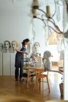 Bildno.: 11991360<br/><b>Feature: 11991357 - Head Hunting</b><br/>Visit to the workshop of a Hamburg artist who makes sculptured portraits<br />living4media / Gewecke, Gudrun
