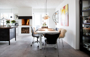 Bildno.: 12082848<br/><b>Feature: 12082842 - Re-inventing Style</b><br/>Newly built house overlooking Aarhus Bay, Denmark<br />living4media / Lene-K
