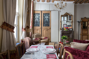 N° de l'image 12084352<br/><b>Reportage: 12084343 - French Cocooning</b><br/>Tiny apartment in Paris proves that style comes in all sizes<br />living4media / Hallot, Olivier