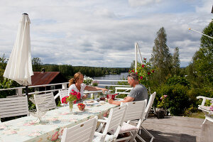 Bildno.: 12235762<br/><b>Feature: 12235722 - Idyll By The Lake</b><br/>Perfect vacations in a cosy summer home and a big old mill in Sweden<br />living4media / Isaksson, Camilla