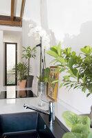 Bildno.: 12237620<br/><b>Feature: 12237615 - Free to Room</b><br/>Lofty home of an artist in Milan<br />living4media / Tamborra, Enza