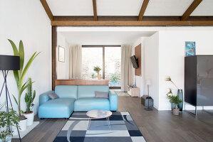 Bildno.: 12237628<br/><b>Feature: 12237615 - Free to Room</b><br/>Lofty home of an artist in Milan<br />living4media / Tamborra, Enza