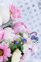 Bildno.: 12272726<br/><b>Feature: 12272716 - Easter Decorations</b><br/>The trends in this decorative scheme are elegant and delicate are<br />living4media / Bildh&#252;bsch