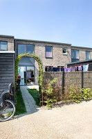 Bildno.: 12273620<br/><b>Feature: 12273611 - A Country Place</b><br/>Ceramics&#39; designer&#39;s home in Denmark<br />living4media / Jacobsen, Bjarni B.