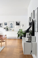 Bildno.: 12309018<br/><b>Feature: 12308982 - Stylish Space</b><br/>Renovated 1960s house near Stockholm, Sweden<br />living4media / M&#246;ller, Cecilia