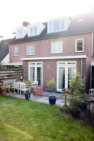 Bildno.: 12311054<br/><b>Feature: 12311017 - A Treat for the Eye</b><br/>Renovated home outside Eindhoven in the Netherlands<br />living4media / Isaksson, Camilla