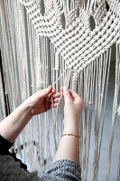 Bildno.: 12321598<br/><b>Feature: 12321578 - Tying Knots</b><br/>Macrame artist&#39;s home in Dordrecht, the Netherlands<br />living4media / Isaksson, Camilla