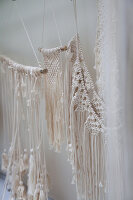 Bildno.: 12321604<br/><b>Feature: 12321578 - Tying Knots</b><br/>Macrame artist&#39;s home in Dordrecht, the Netherlands<br />living4media / Isaksson, Camilla