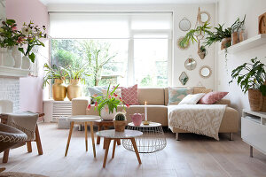 Bildno.: 12321698<br/><b>Feature: 12321691 - Paradise in Pastel</b><br/>Pale colours and soothing furnishings define this home in the Netherlands<br />living4media / Isaksson, Camilla