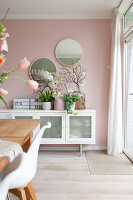 Bildno.: 12321726<br/><b>Feature: 12321691 - Paradise in Pastel</b><br/>Pale colours and soothing furnishings define this home in the Netherlands<br />living4media / Isaksson, Camilla