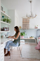 Bildno.: 12321734<br/><b>Feature: 12321691 - Paradise in Pastel</b><br/>Pale colours and soothing furnishings define this home in the Netherlands<br />living4media / Isaksson, Camilla