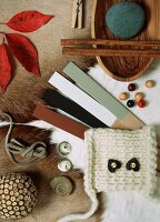 Natural decorative materials (wool, wood, etc.)