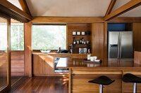 Küche mit Holzfronten