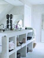 gemauertes regal mit eingebautem waschbecken in schlichtem bad bild kaufen living4media. Black Bedroom Furniture Sets. Home Design Ideas