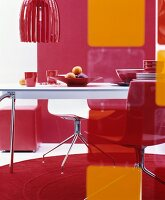 70s-style dining area in shades of red and orange