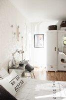 Light-flooded vintage-style bedroom