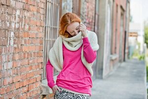 A hand-knitted bolero scarf made of merino & alpaca yarn