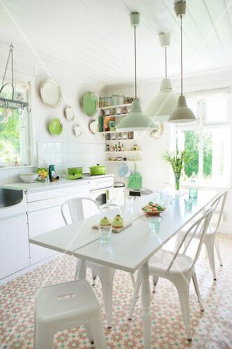 Grün in allen Varianten verziert ein Haus in Norwegen