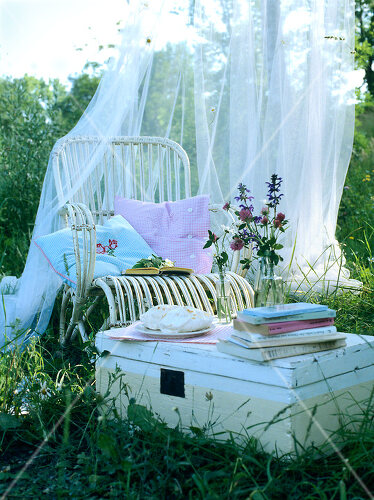 Enjoy summer with a picnic in the park