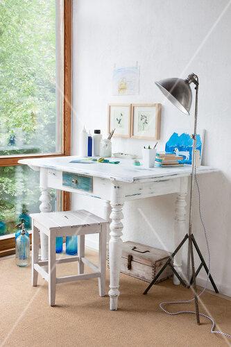 Make-Over eines alten Tisches im Shabby-Chic-Look