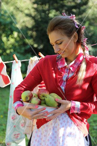 Apfelernte mit Picknick in Bullerbü