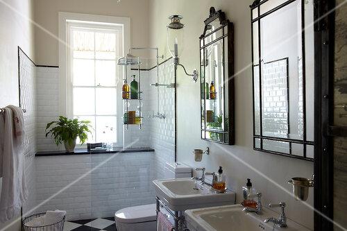 nostalgie im badezimmer feature bilder kaufen living4media. Black Bedroom Furniture Sets. Home Design Ideas
