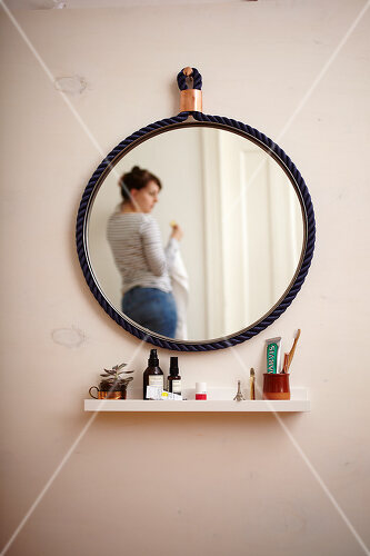 Pep up a tired old mirror with a new frame made of rope