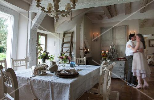 Ein altes Haus wurde anhand von Fotos und Dokumenten rekonstruiert, Frankreich