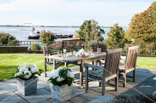 Villa with a view in Hamburg's elegant neighbourhood