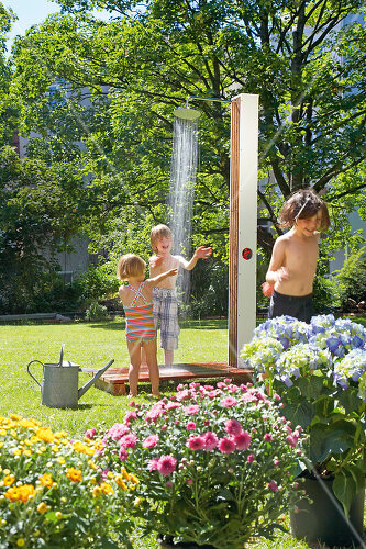 The pleasure of outdoor bathing with a garden shower