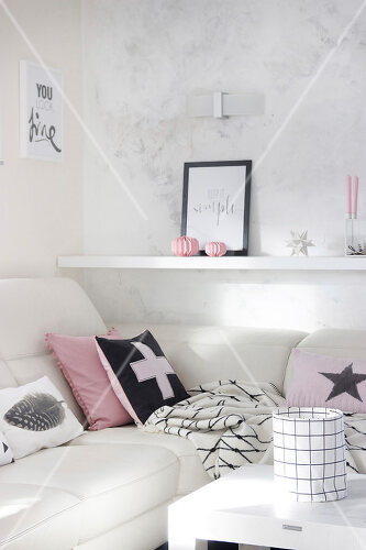 Pink is the colour that defines this dream-like deco scheme