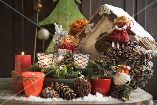 weihnachtsdeko auf tisch im freien bild kaufen. Black Bedroom Furniture Sets. Home Design Ideas