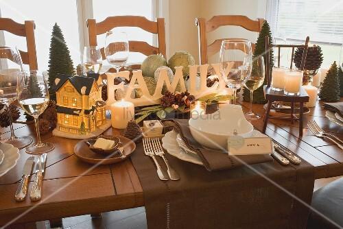 weihnachtlich gedeckter tisch usa bild kaufen living4media. Black Bedroom Furniture Sets. Home Design Ideas