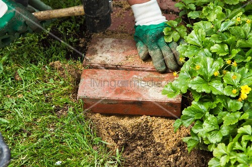 diy flower bed edging bild kaufen living4media