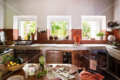 Platzbedarf Vor Küchenzeile ~ essplatz vor küchenzeile mit gemauerter arbeitsplatte am