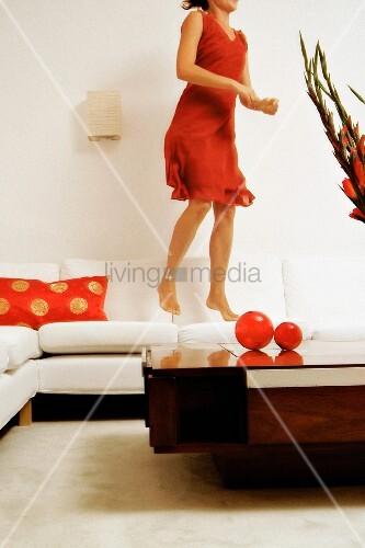 bilder fotos frau schlaft sofa