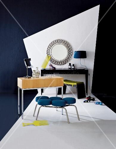 verschiedene moderne schminktische mit sitzb nken vor. Black Bedroom Furniture Sets. Home Design Ideas