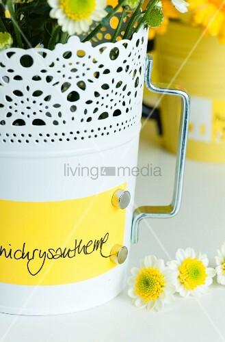 blument pfe aus blech beschriftung mit magnet befestigt bild kaufen living4media. Black Bedroom Furniture Sets. Home Design Ideas