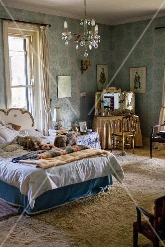 11372654 blue vintage style bedroom