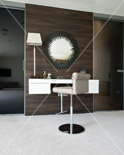 Luxurious dressing table with bar stool and large mirror  : 11395426 from www.living4media.com size 400 x 500 jpeg 51kB